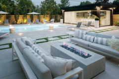 Bomanite Toronto created a sleek backyard patio and pool deck in this backyard space using Bomanite Sandscape Refined decorative concrete and this beautiful hardscape provided the homeowners with a durable surface that was designed for entertaining and easy maintenance and earned our colleague the 2019 Honorable Mention Award for Best Bomanite Exposed Aggregate Project under 6,000 SF.