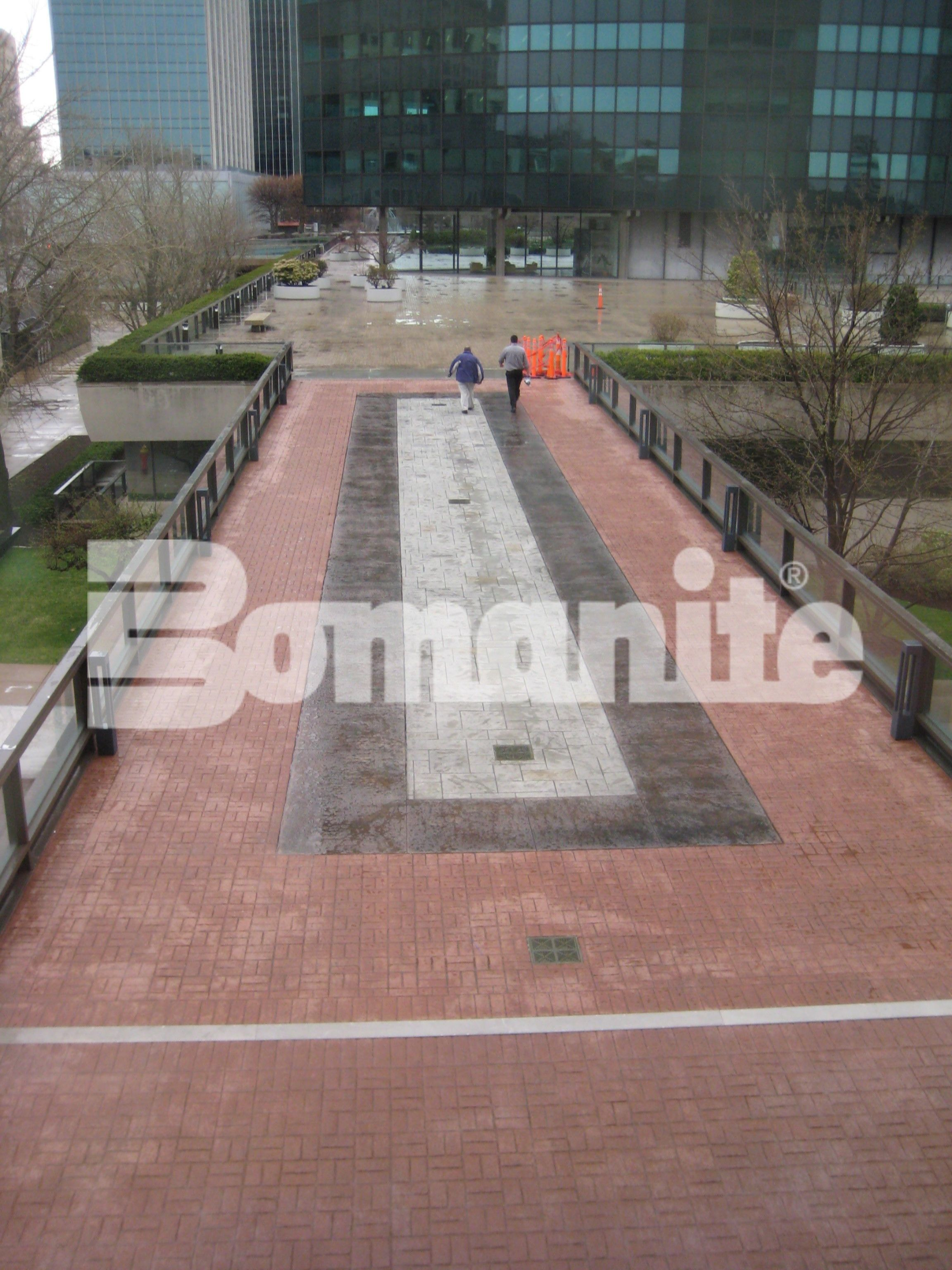 This Award winning Bomanite Imprint project using Bomanite Basketweave Brick pattern and Bomacron Medium Ashlar Slate pattern completely rehabilitated this commercial building plaza in Hartford, CT, installed by Connecticut Bomanite Systems.
